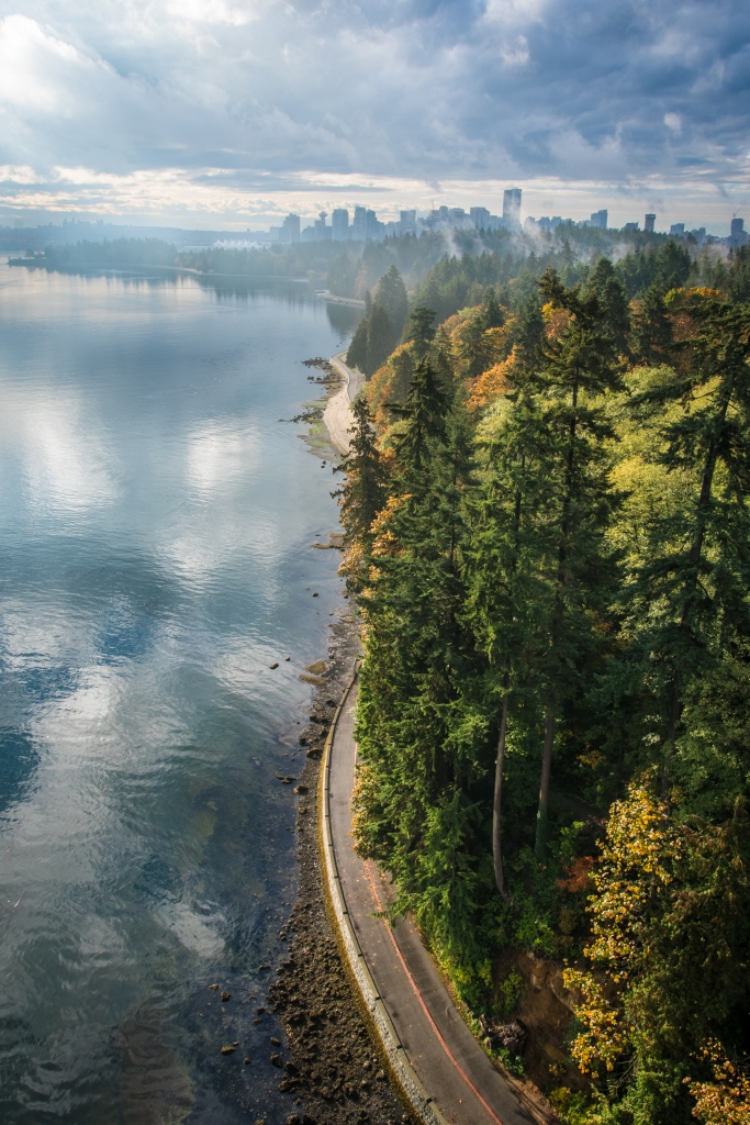 Vancouver-Seawall-Lionsgate-Overlook-City